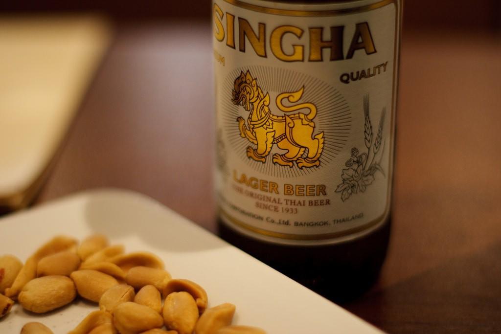 Singha beer and peanuts