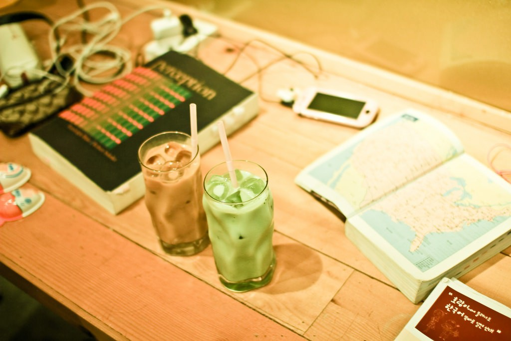 Studying in a cafe, Korea