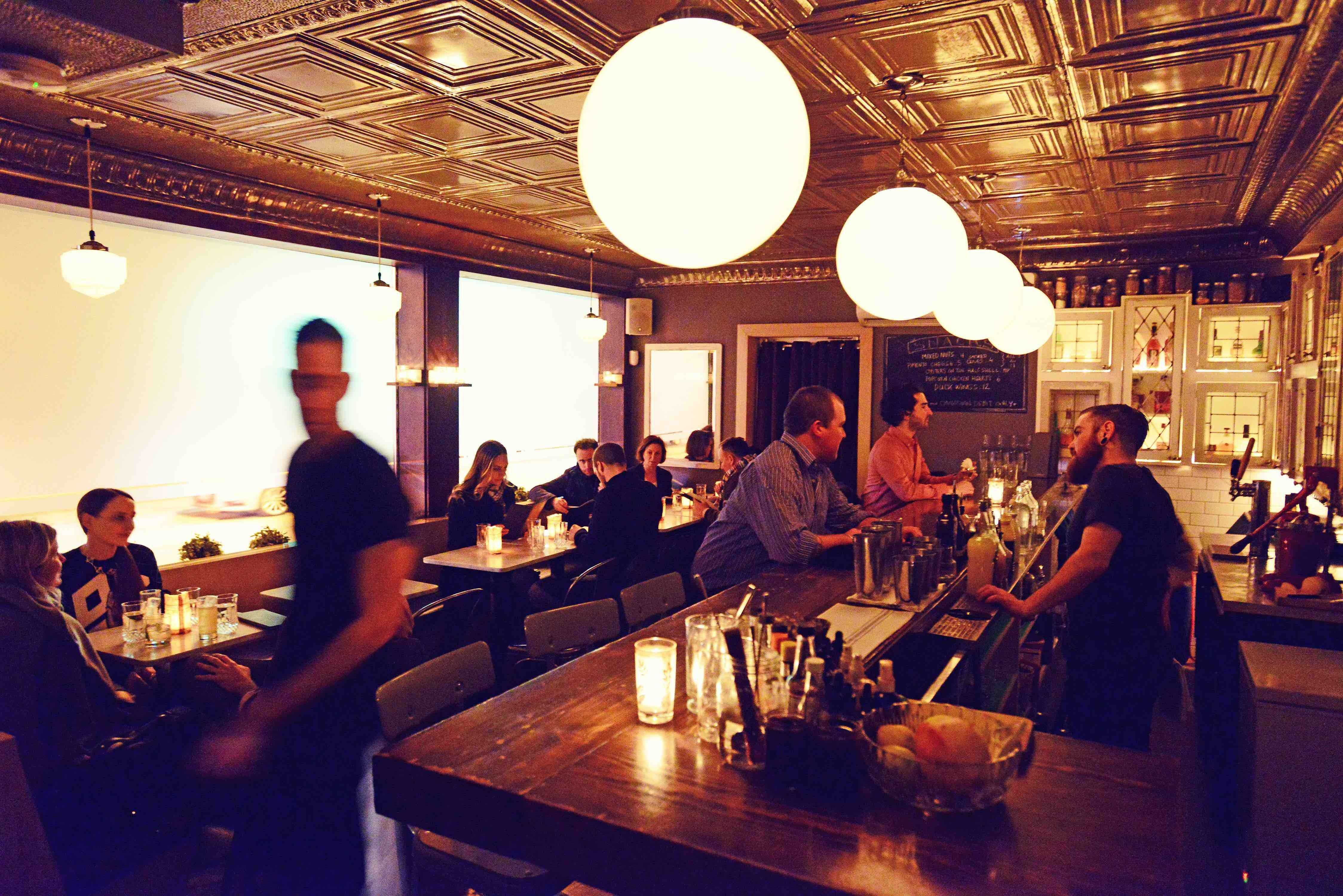 Toronto's Cocktail Bar