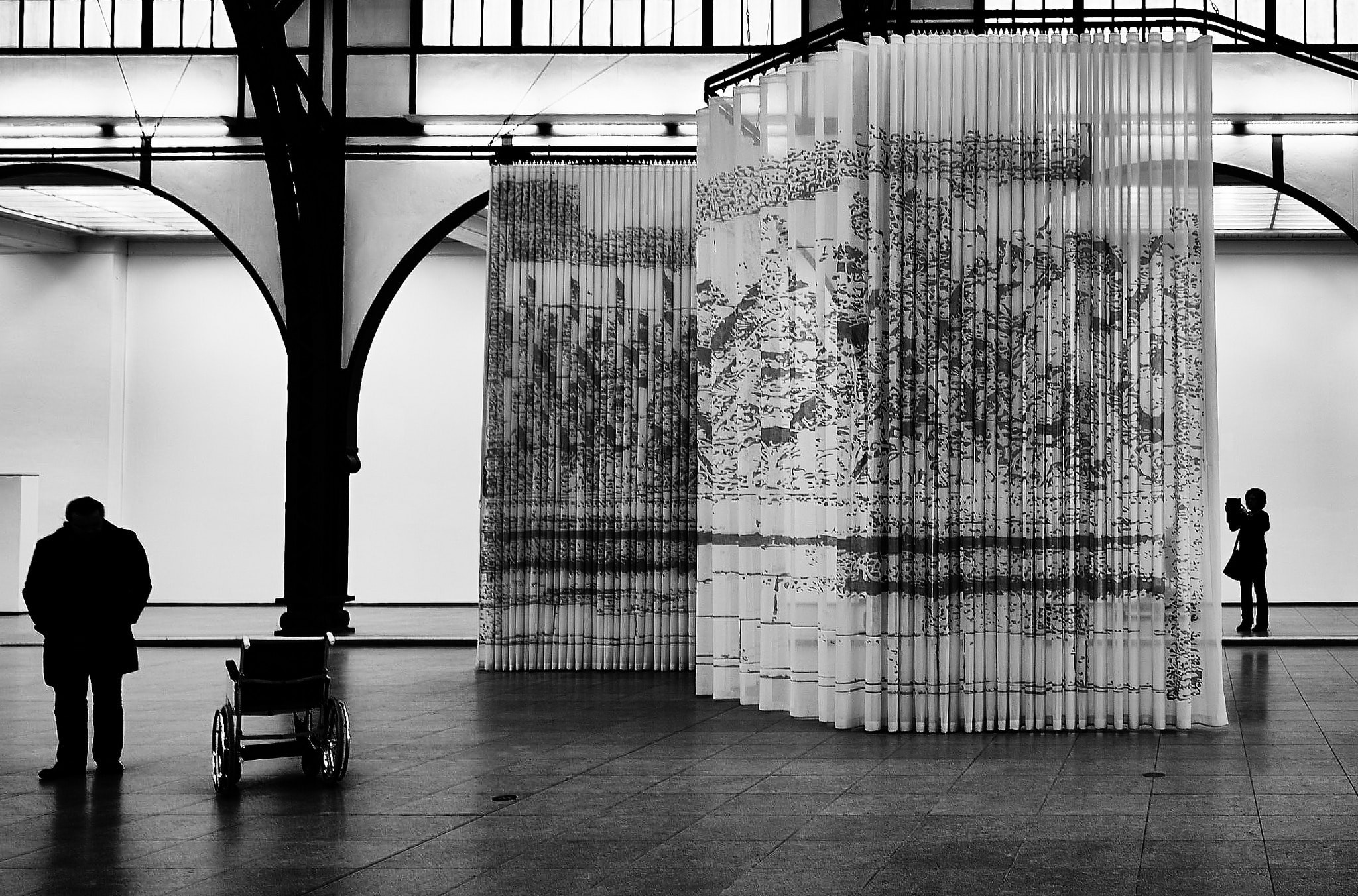 'In front of and behind the curtain' at Hamburger Bahnhof