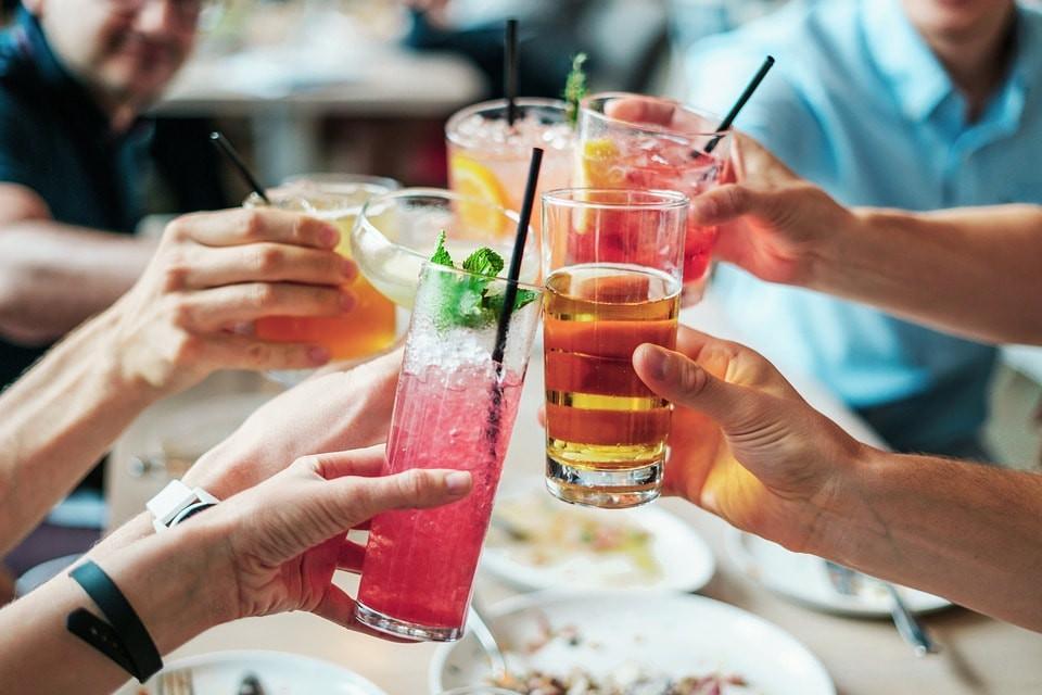Enjoy cocktails at rooftop bars
