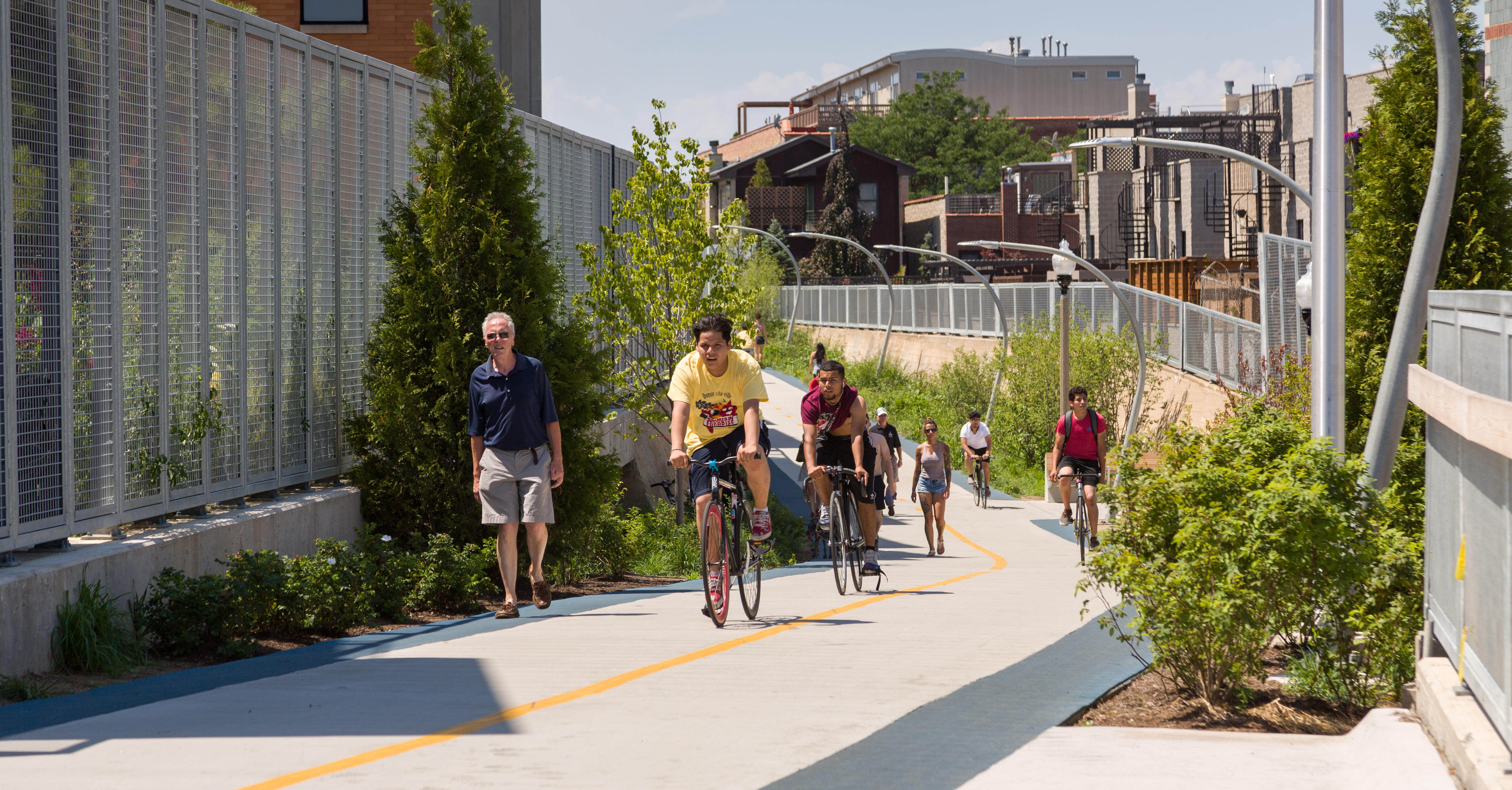 The 606 in Chicago is perfect for those who want to stay active
